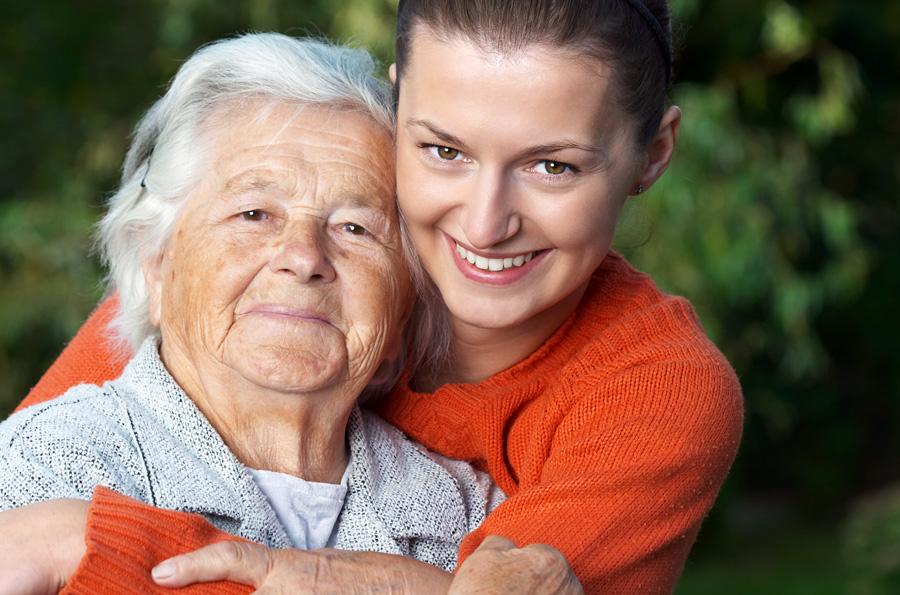 Herzliche Umarmung - Seniorenglück Haus Rünthe in Bergkamen - Auch im Alter: sicher, geborgen und zu Hause sein!