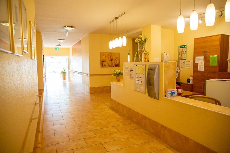 Empfangsbereich - Seniorenglück Haus Rünthe in Bergkamen - Auch im Alter: sicher, geborgen und zu Hause sein!